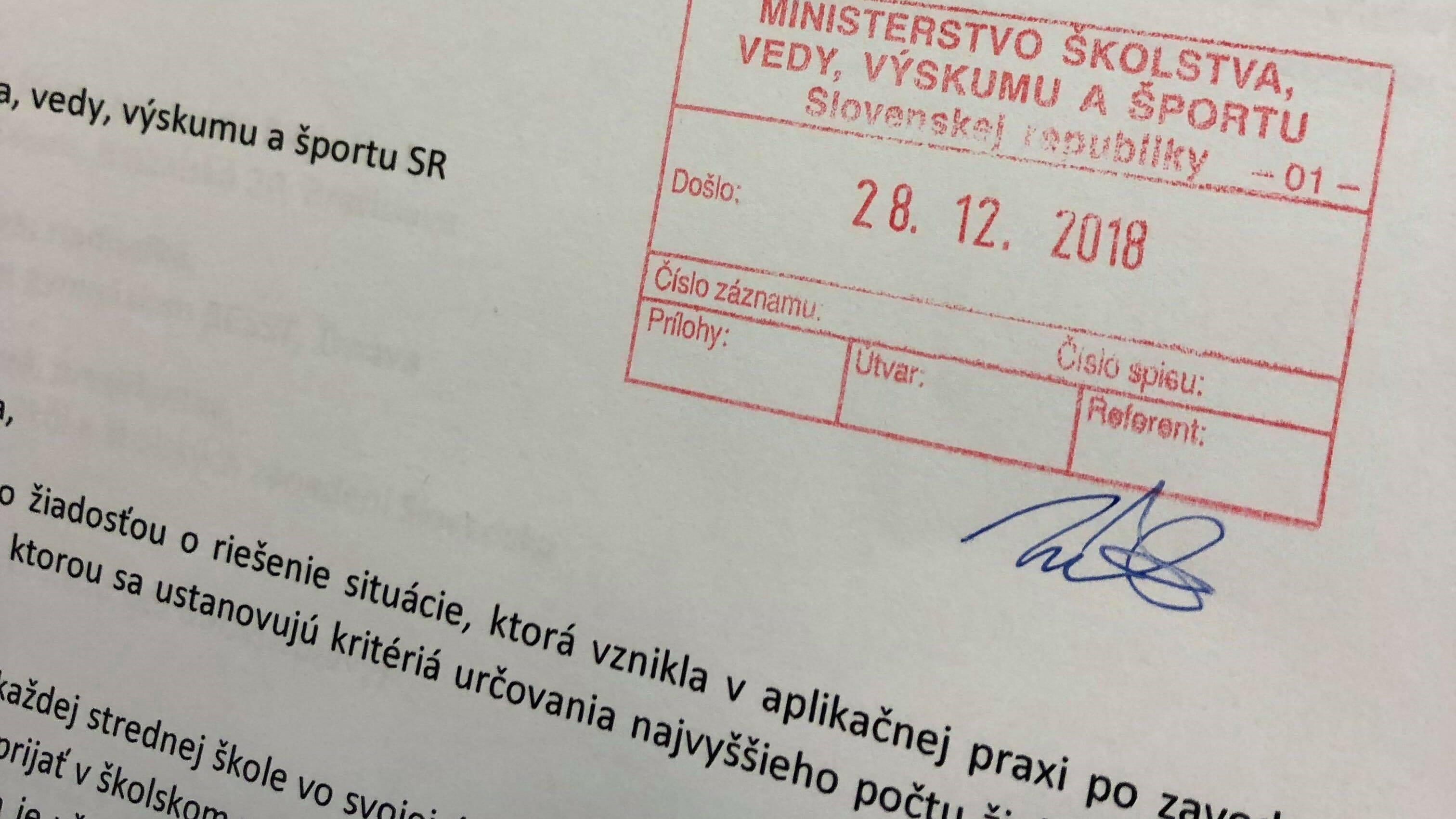 Petícia #zaprvakovnastrednej je už na ministerstve